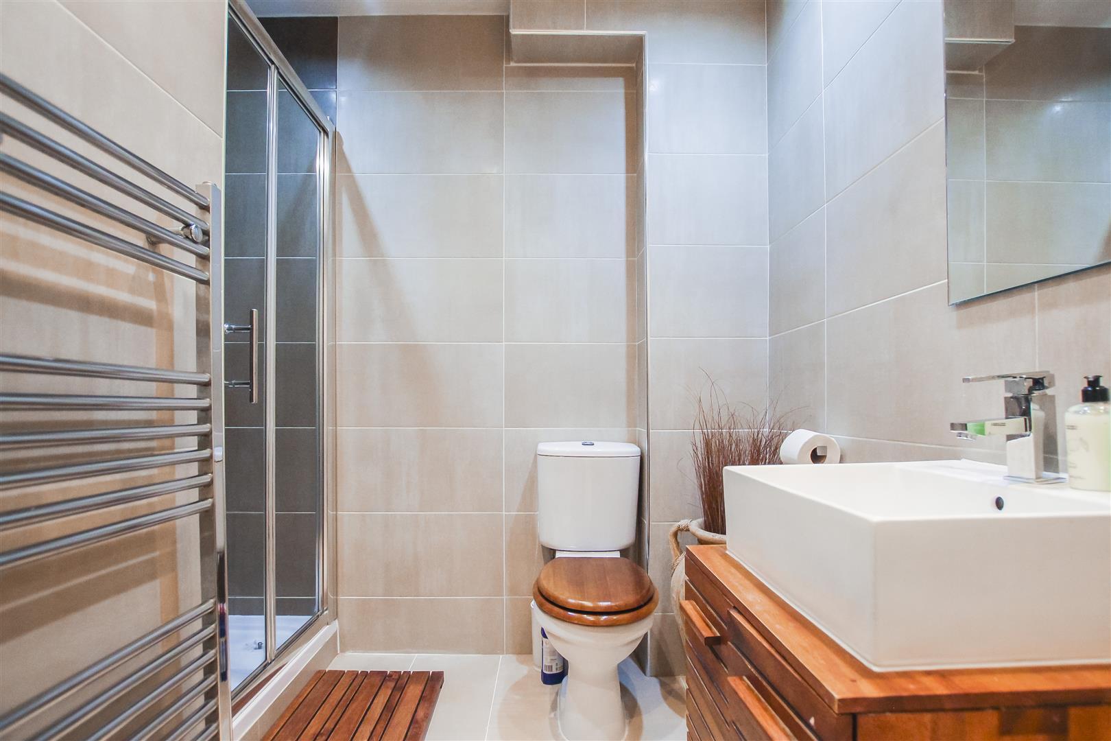 3 Bedroom Semi-detached House For Sale - Shower Room